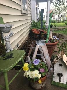Garden Art at Deanna's Cottage